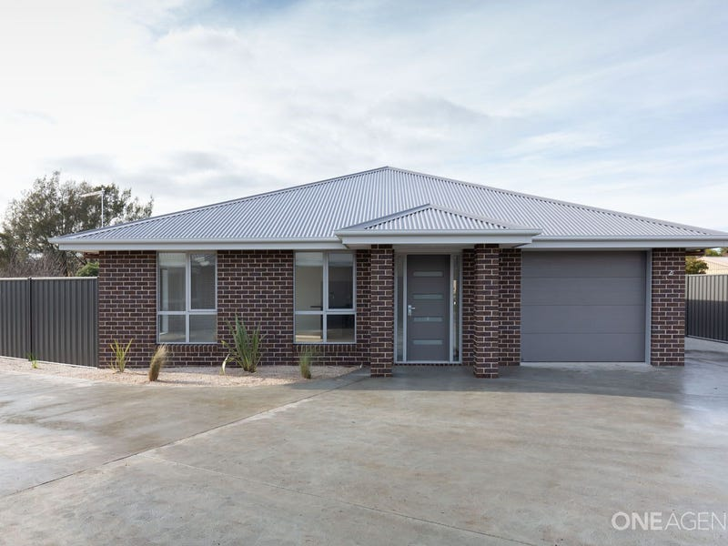 2/172 Wellington Street, Longford, Tas 7301