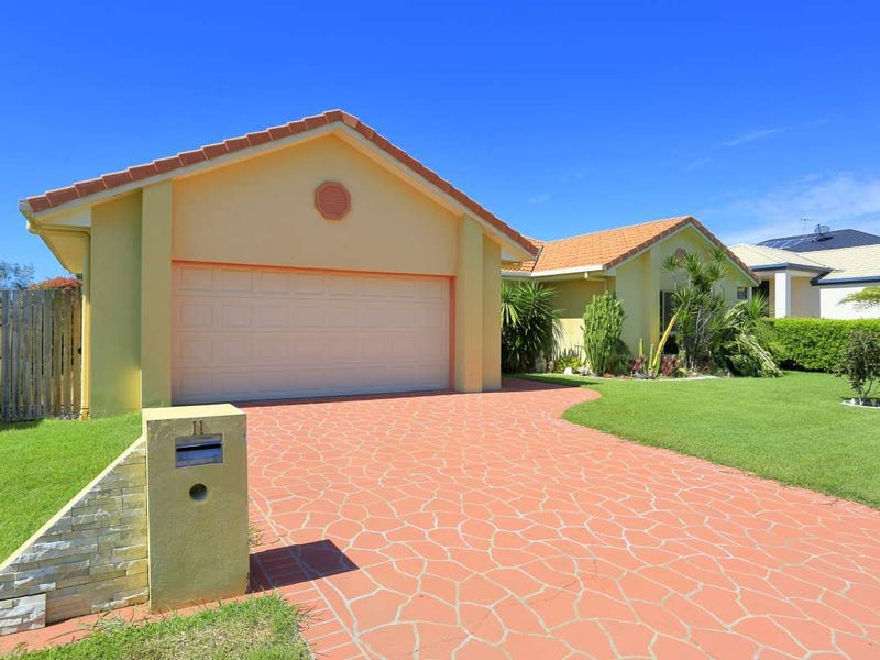 11 Robert John Circuit, Coral Cove, Qld 4670