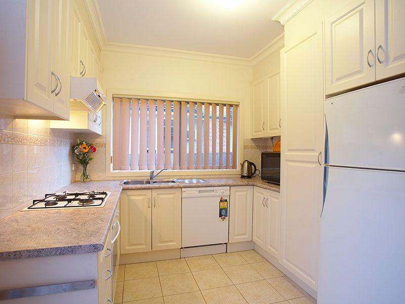 1/8 Kingsley Grove, Mount Waverley, Vic 3149
