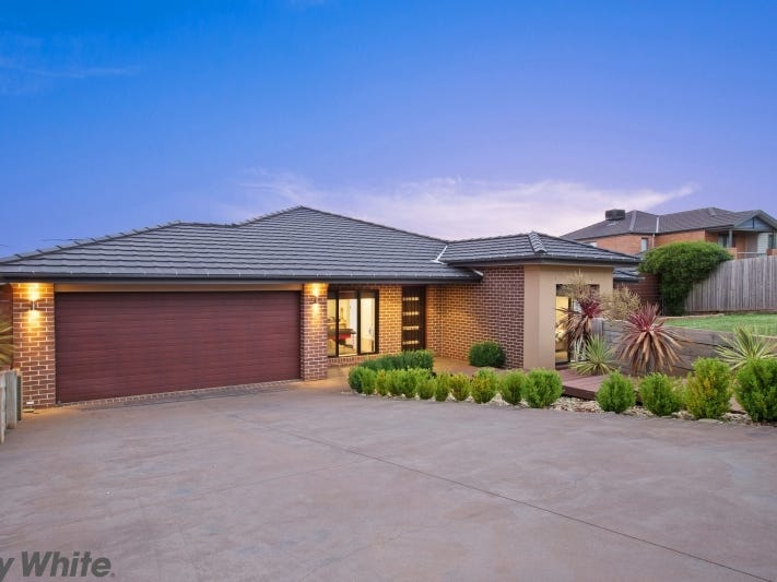 17 Clover Court, Romsey, Vic 3434