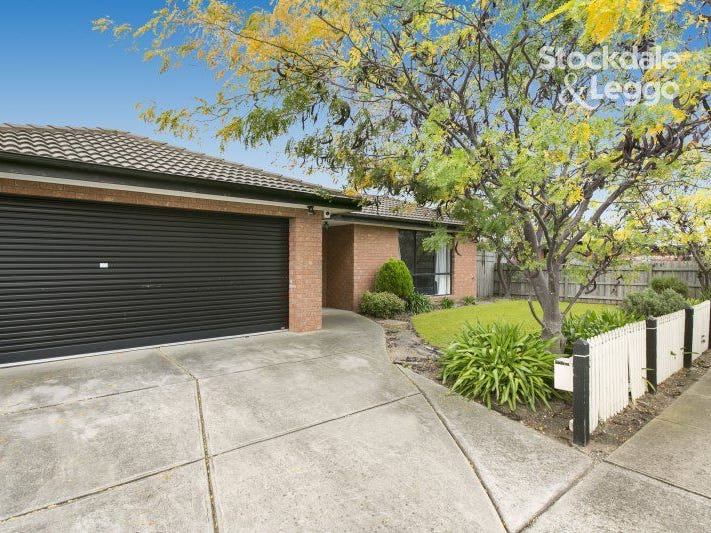 12 BARHAM WAY, Cranbourne East, Vic 3977