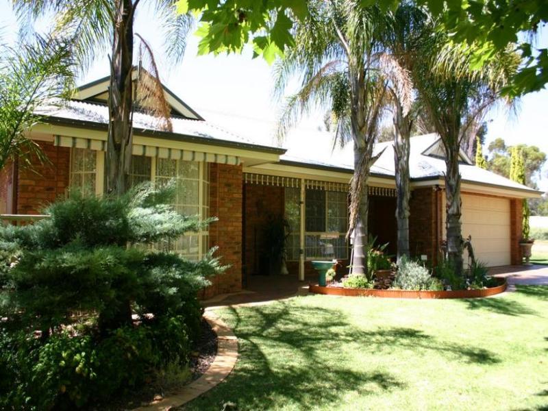 9 Sandpiper Drive, Murray Downs, NSW 2734