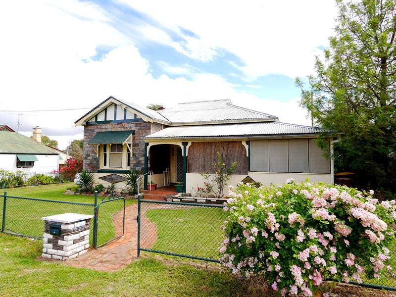 10 Baronga Street, Cowra, NSW 2794