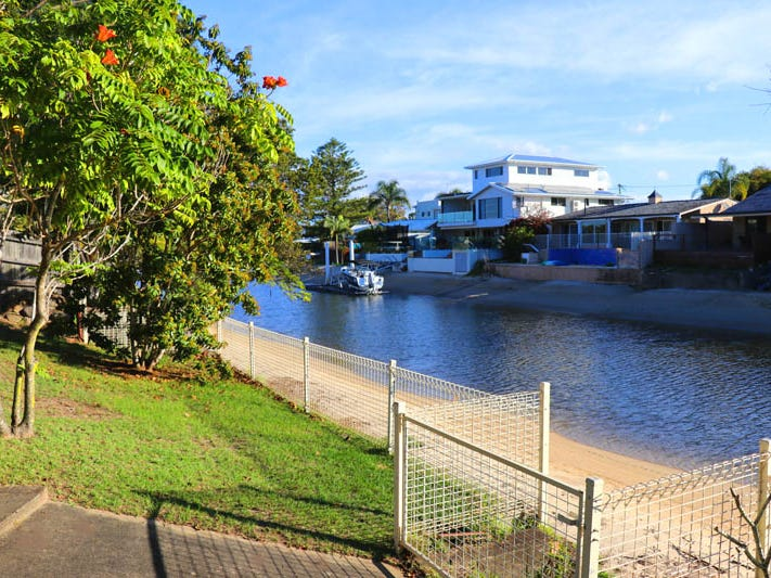 17 Flamingo Key, Broadbeach Waters, Qld 4218