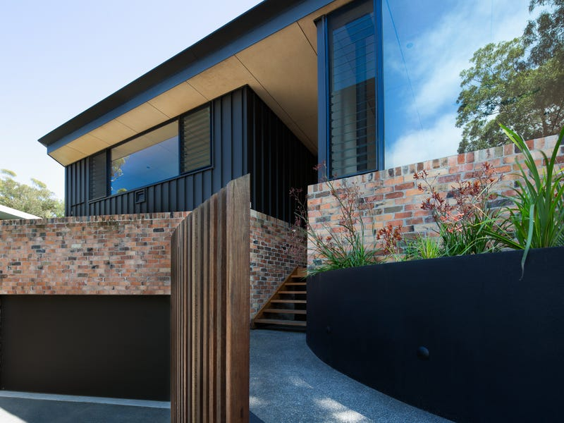 4 Skyline Place, Elizabeth Beach, NSW 2428