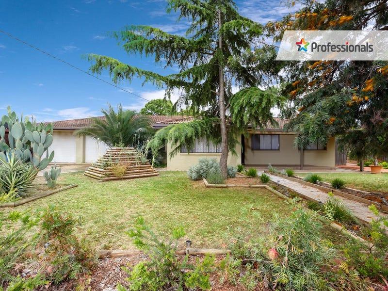 4 Paisley Street, Lake Albert, NSW 2650