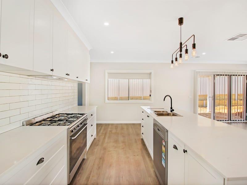 52 Coppabella Drive, Gobbagombalin, NSW 2650