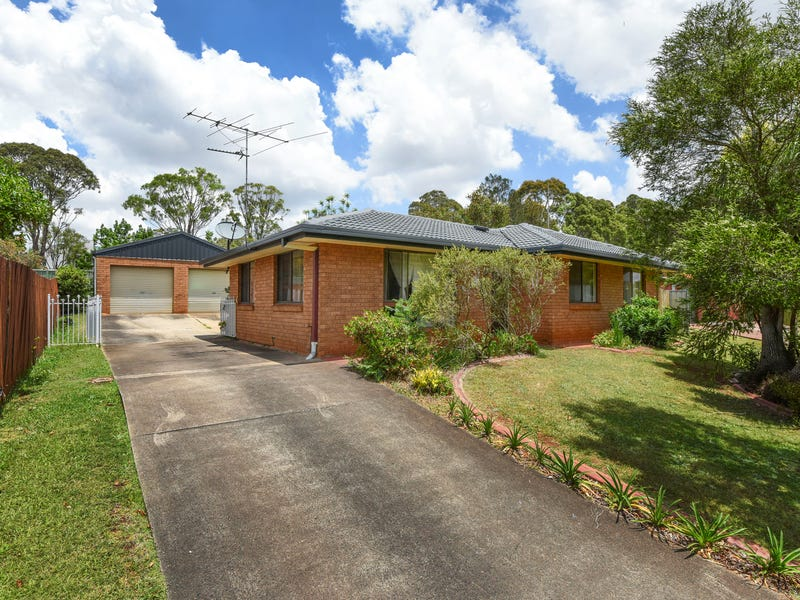 8 Champagne Crescent, Wilsonton Heights, Qld 4350