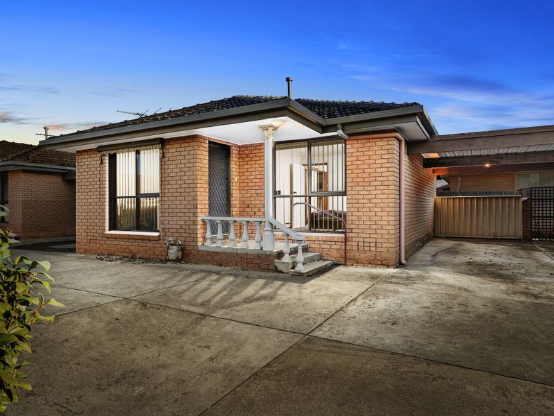 2/7 Deutgam Street, Werribee, Vic 3030