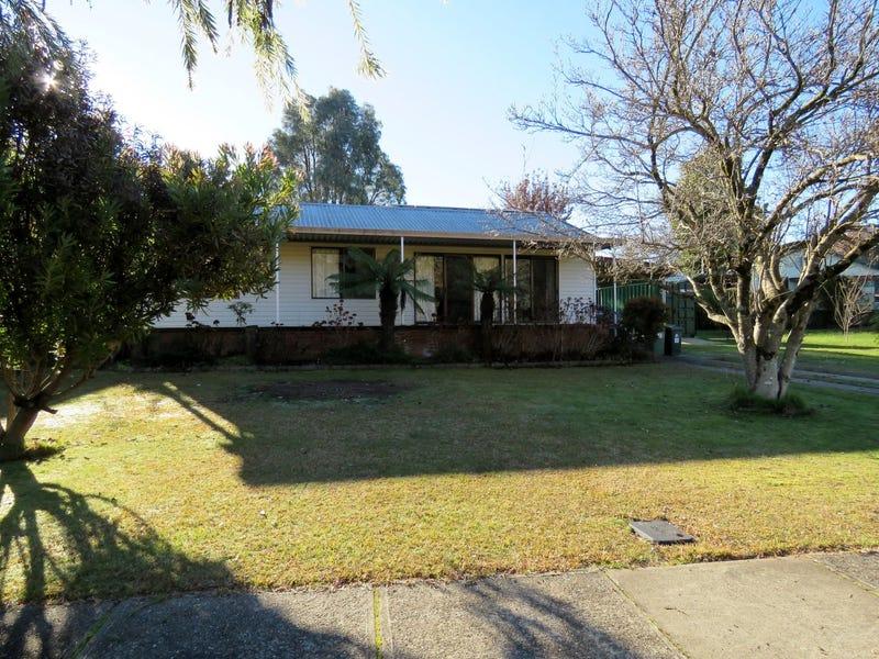 11 Douglas Street, Khancoban, NSW 2642