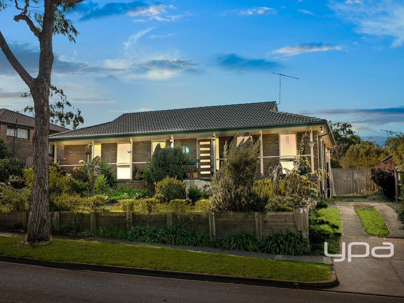 34 Menzies Drive, Sunbury, Vic 3429