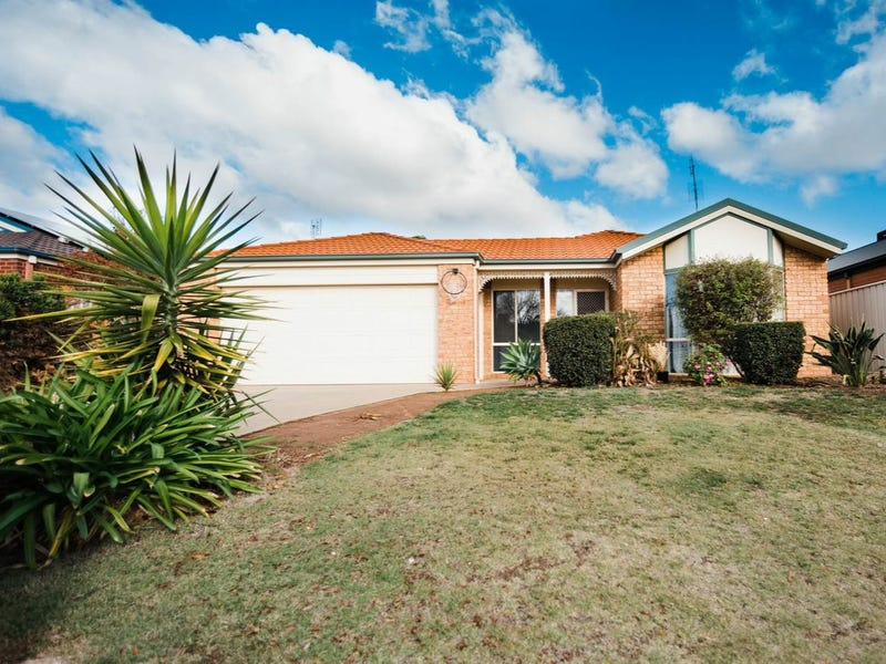 10 Sunrise Avenue, Moama, NSW 2731