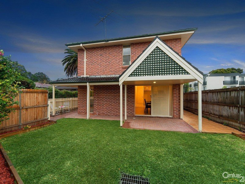 2/8 Northcote Road, Hornsby, NSW 2077