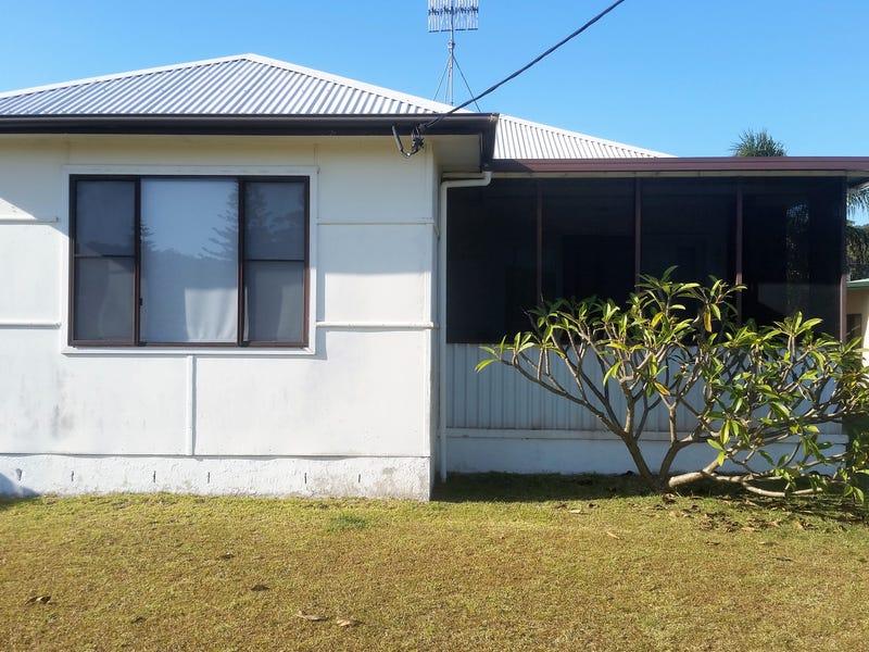 16 Queanbeyan Avenue, Burrill Lake, NSW 2539