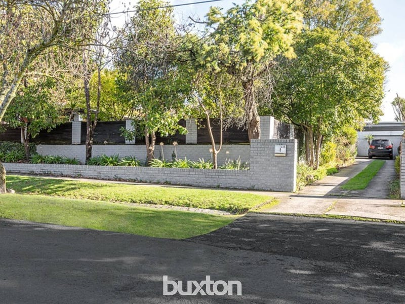 415 Neil Street, Soldiers Hill, Vic 3350