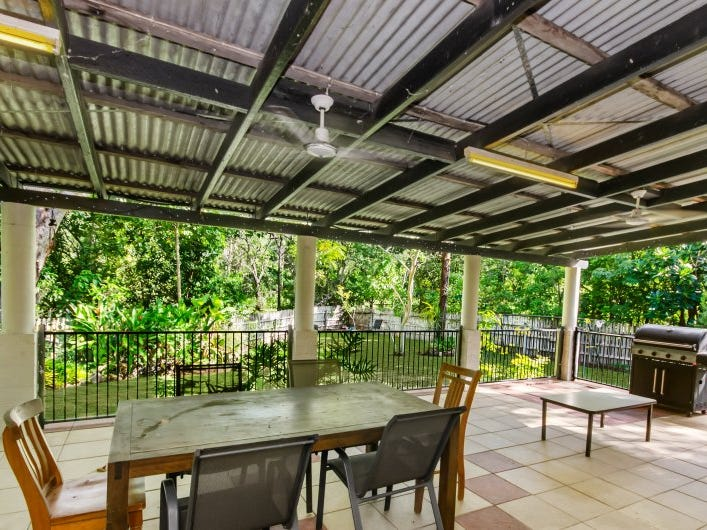 25 MOUNT PANORAMA DRIVE, Alligator Creek, Qld 4816