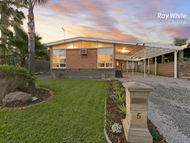 5 Eyre Crescent, Valley View, SA 5093