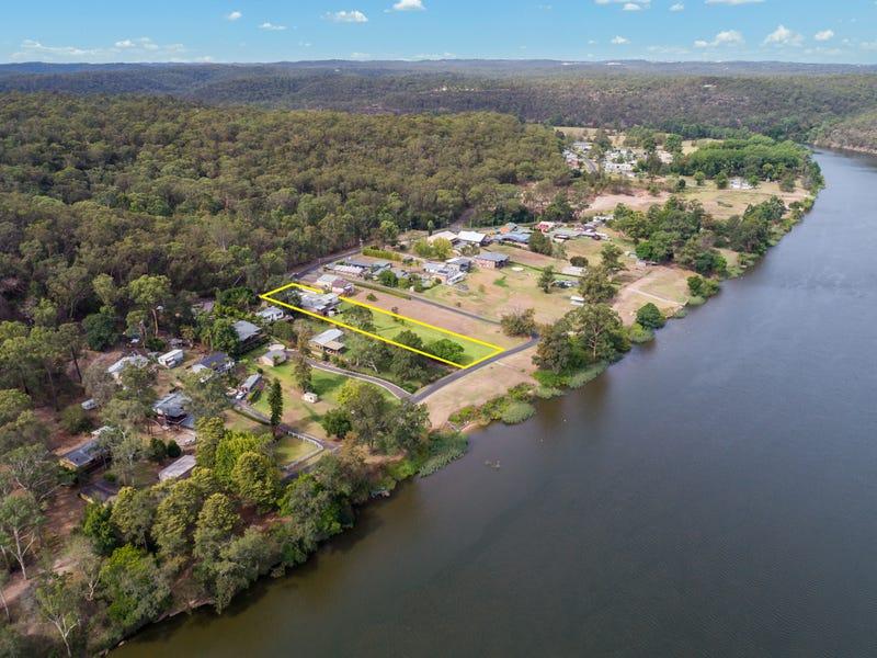 30 Holmes Drive, Cumberland Reach, NSW 2756