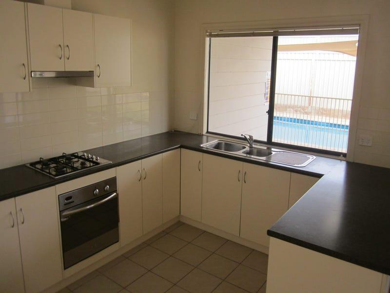 96 Tiliqua Crescent, Roxby Downs, SA 5725