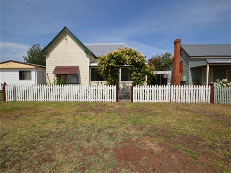 87 Merton St, Boggabri, NSW 2382