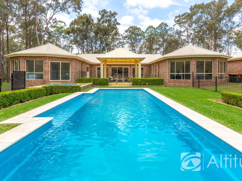 11 Windermere Place, Wallalong, NSW 2320