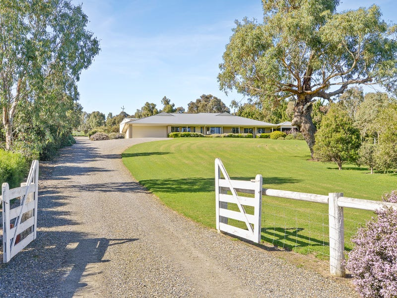 20 Lipizzaner Drive, Hindmarsh Valley, SA 5211
