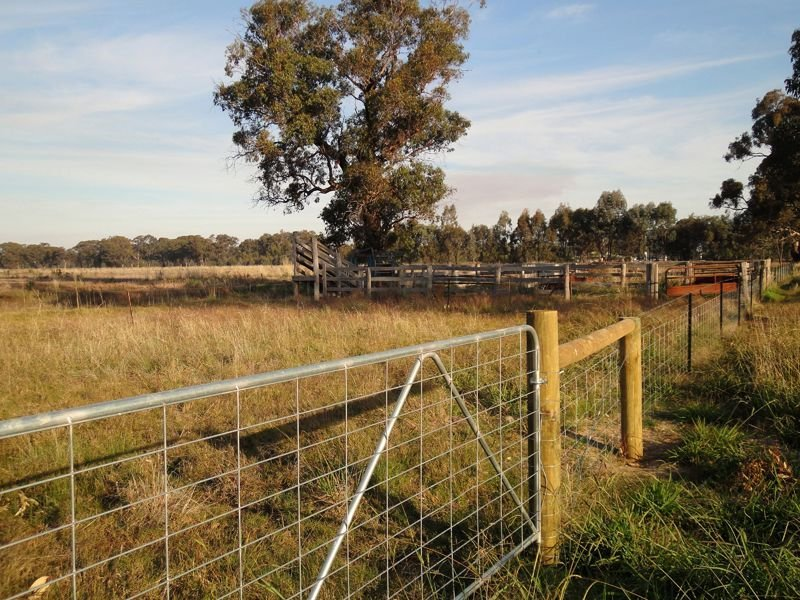 192 Foster Road, Boorhaman, Vic 3678