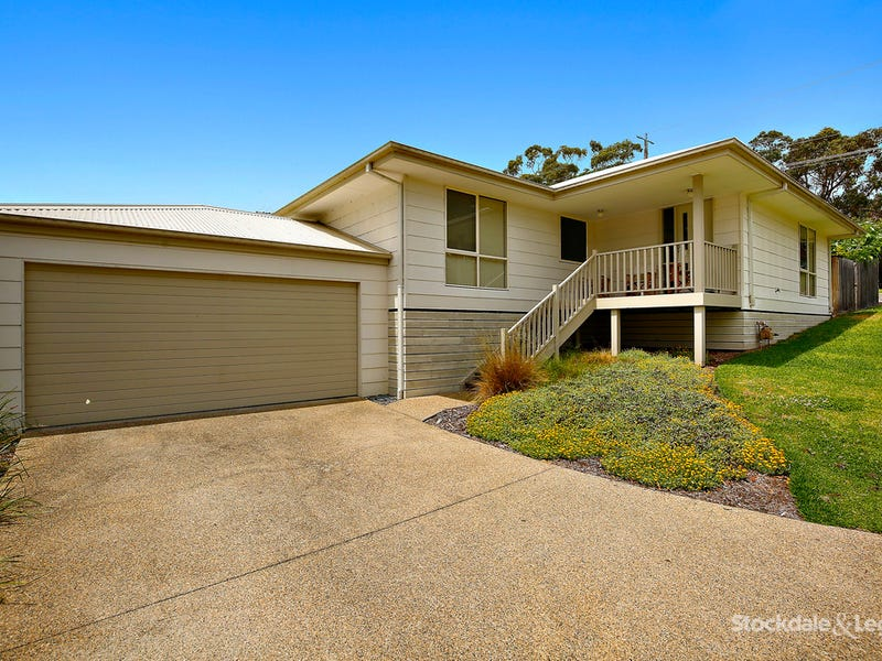 8 Themeda Place (Enter off Leigh Close), Lilydale