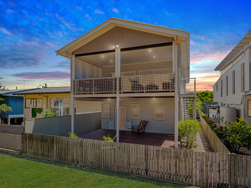 22 View Street, Woody Point, Qld 4019