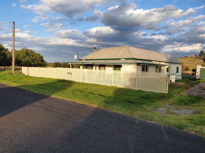 37 VICTORIA STREET, Georges Plains, NSW 2795