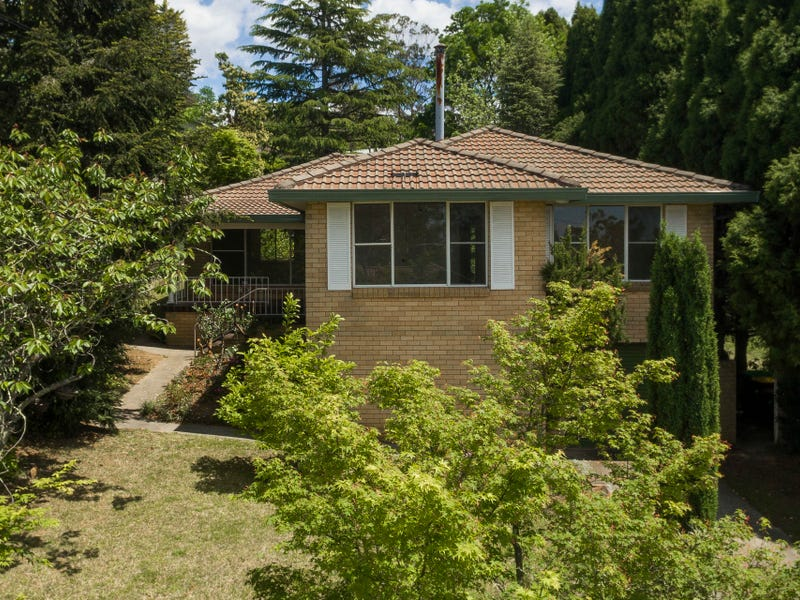 16 Tarella Road Road, Wentworth Falls, NSW 2782