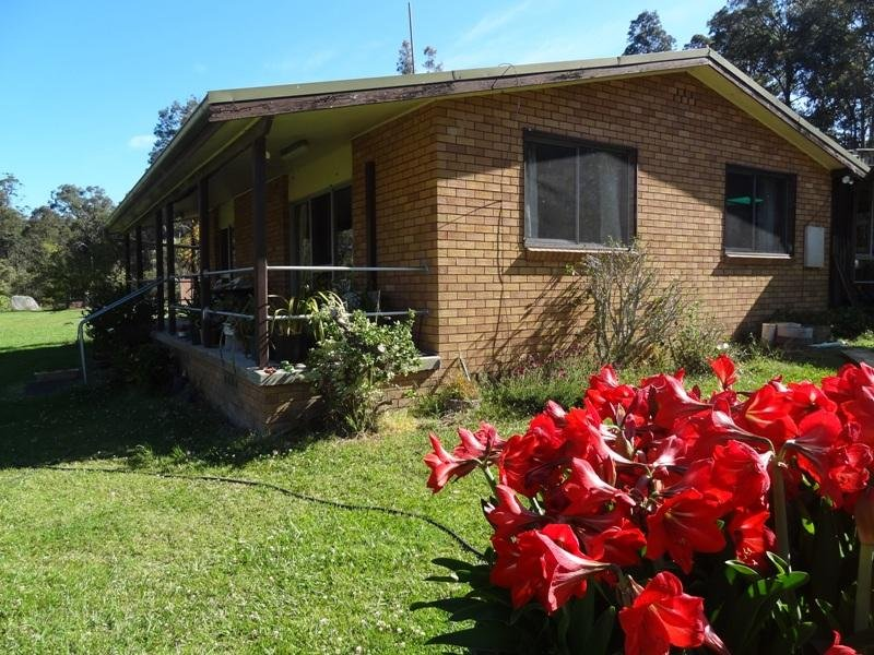 51 Forest Glen Road, Limeburners Creek, NSW 2324