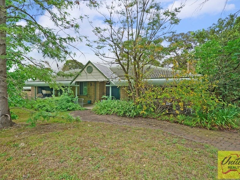 861-863 Montpelier Drive, The Oaks, NSW 2570