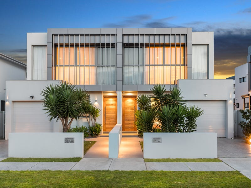 37 Eyre Street, Chifley, NSW 2036