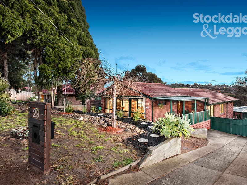 29 Hendricks Crescent, Jacana, Vic 3047