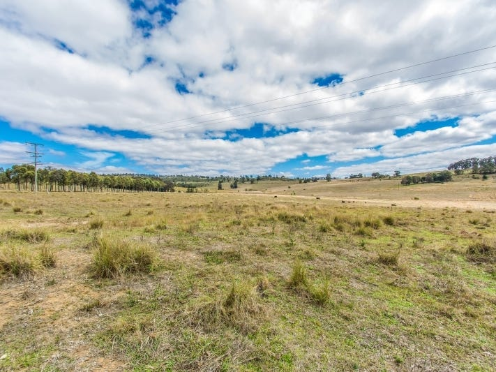 7, New England Highway, Crows Nest, Qld 4355