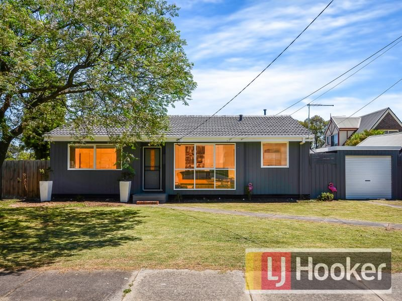 64 Olive Road, Eumemmerring, Vic 3177