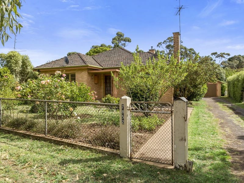 7852 Hamilton Highway, Tarrington, Vic 3301
