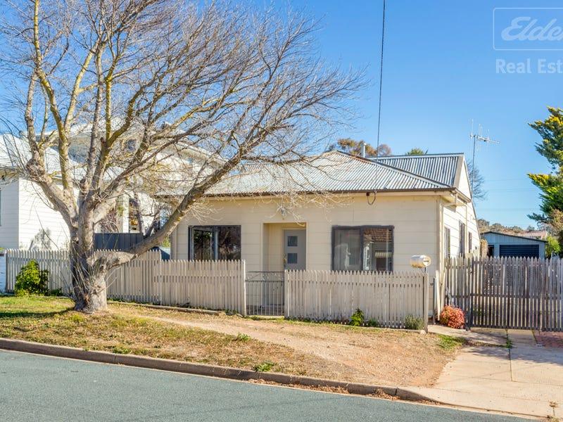 15 McIntosh Street, Queanbeyan, NSW 2620
