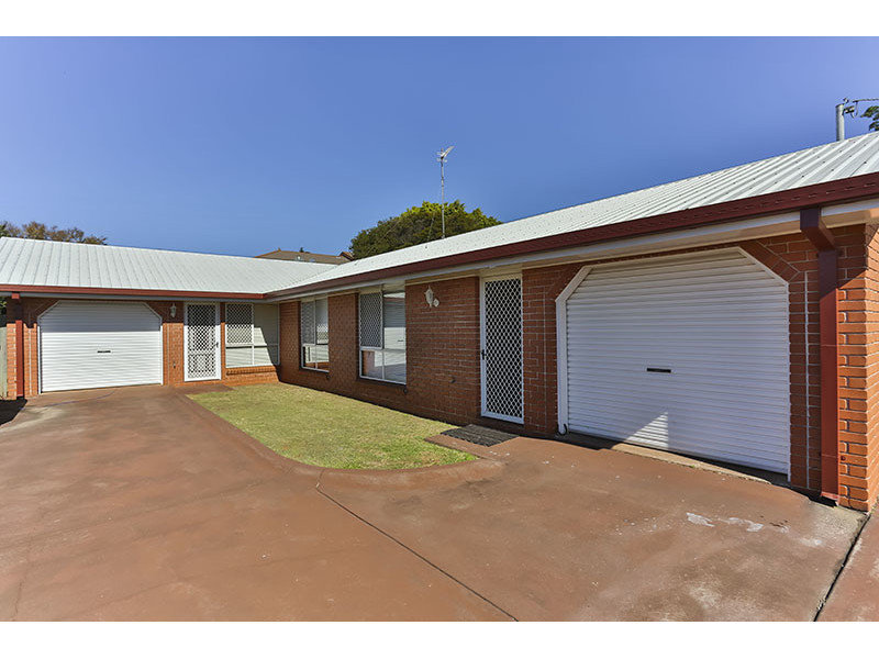 1 and 2/330 Spring Street, Kearneys Spring, Qld 4350