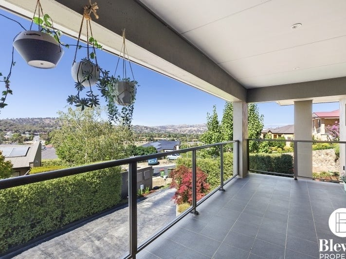 7 Kowa Place, Jerrabomberra, NSW 2619