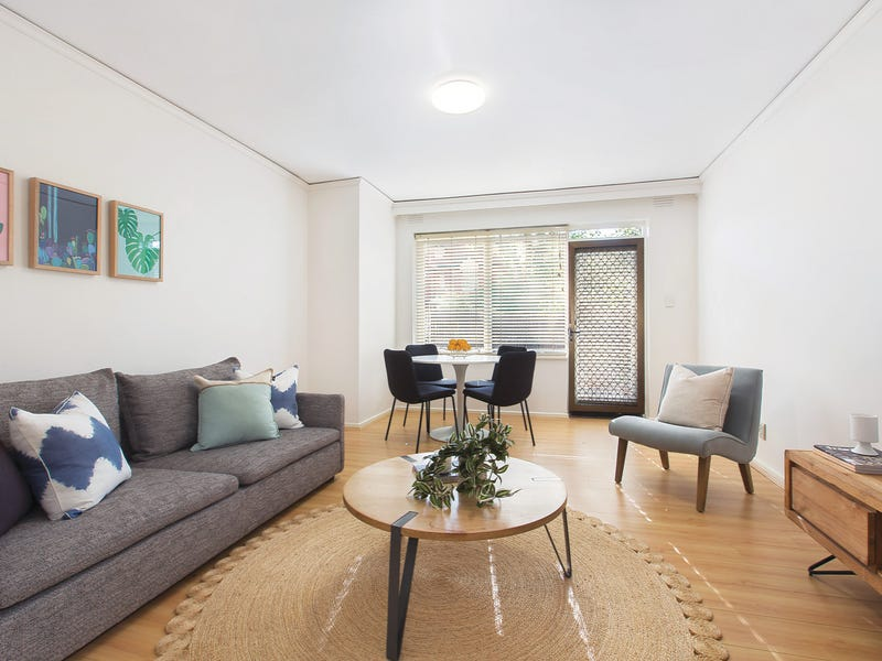 2/8 Burke Road, Malvern East