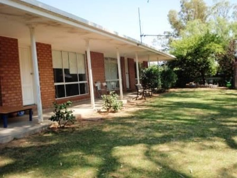 169 Bidgee Drive, Hay, NSW 2711