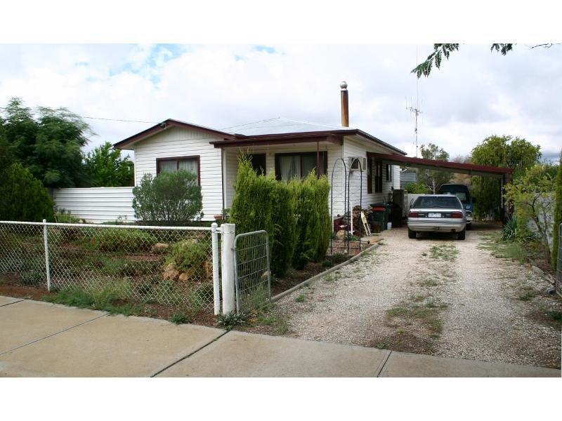 14 Howard Street, Sea Lake, Vic 3533