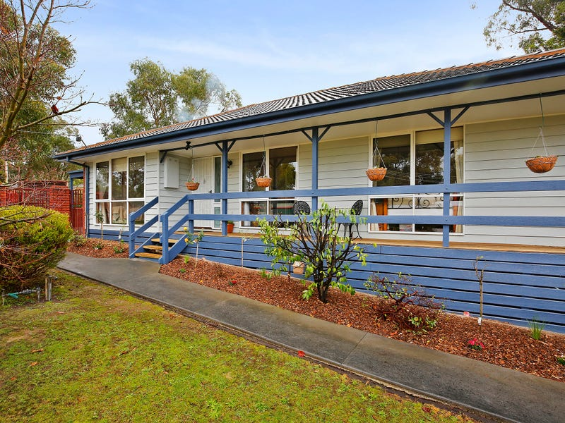 24 Dean Crescent, Launching Place, Vic 3139