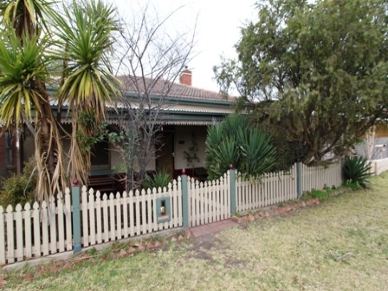 18 Torch Street, Bathurst, NSW 2795