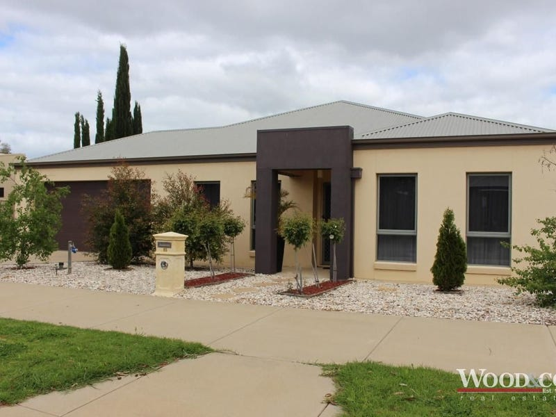 15 Village Way, Swan Hill, Vic 3585