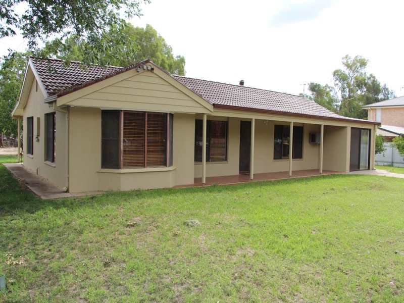 3 McBratney Street, Darlington Point, NSW 2706