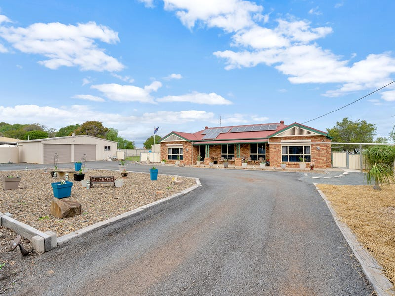20 Queen Street, Kingsthorpe, Qld 4400