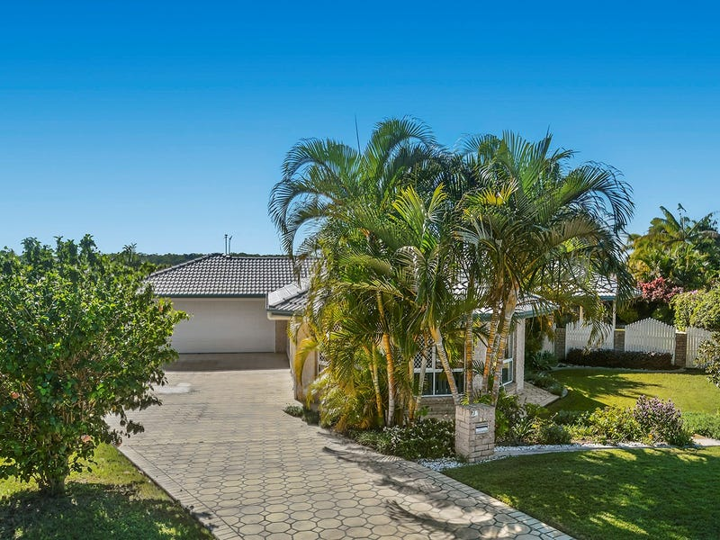 10 Kirk Place, Sandstone Point, Qld 4511